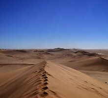 Where dunes and sky come together  by areyarey