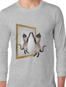 Cute Siamese Cat In Mirror Long Sleeve T-Shirt