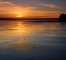Sunset in Three Cliffs by Bartosz Spyrko-Smietanko