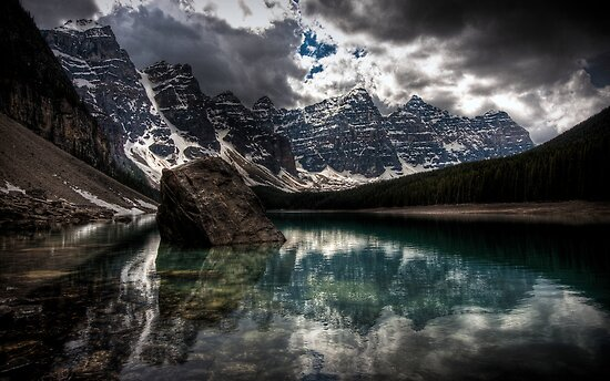 Outstanding Mountain Lake by mattfield