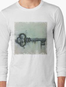 relic key Long Sleeve T-Shirt