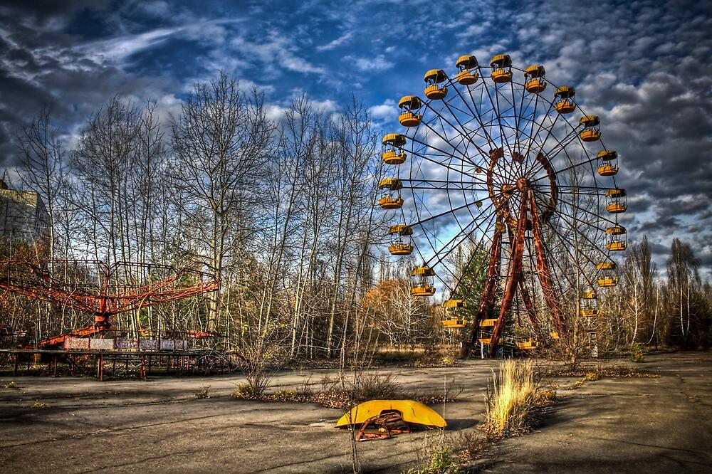 Prypiat/Chernobyl Abandoned Ferris Wheel by pixog