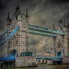 London Tower Bridge by Erik Brede
