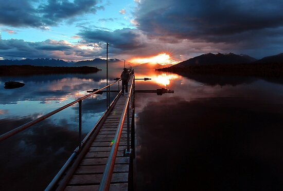Te Anau Sunset. New Zealand by Ralph de Zilva