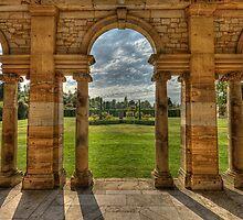 Hever Castle gardens by Dean Messenger