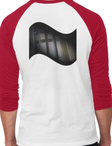 diagonally stuck lens cap Men's Baseball ¾ T-Shirt
