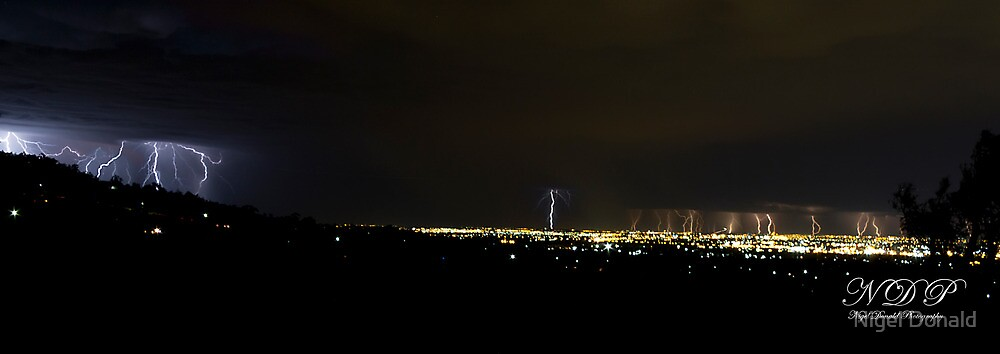 Multiple lightning strikes by Nigel Donald