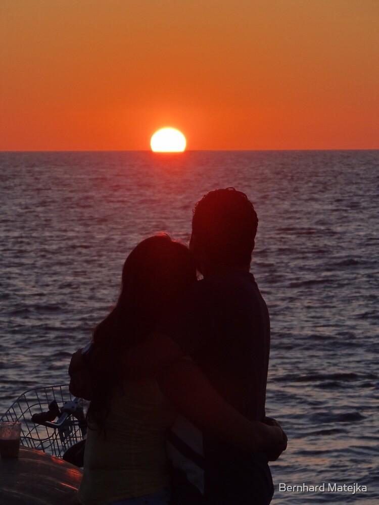 Love Is Beautiful - Amor Es Maravilloso by Bernhard Matejka