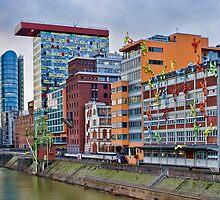 Duesseldorf Media Harbour, Flossis by Heike Richter