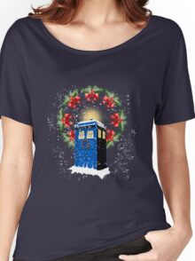 A WARM & COMFORTABLE TARDIS IN THE SNOWSTORM  Women's Relaxed Fit T-Shirt