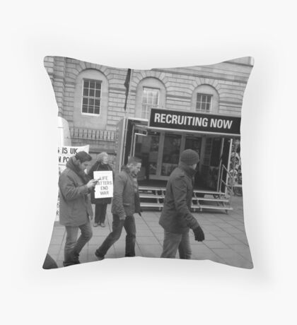 Who do you want to be? Throw Pillow