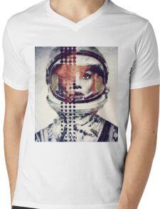 G. Mens V-Neck T-Shirt