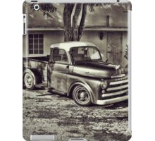 Old Timey Truck Zoomer iPad Case/Skin