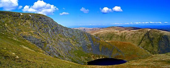 Sharp Edge & Scales Tarn by mikebov
