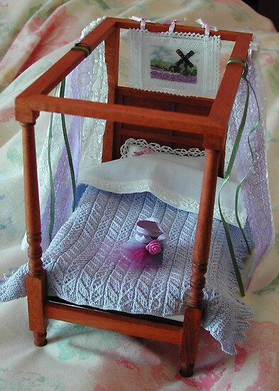 Four Poster in Miniature : 1/12th scale by AnnDixon