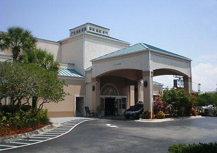 quality suites convention center orlando by adimark