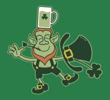 Leprechaun Balancing a Glass of Beer on his Head T-Shirt