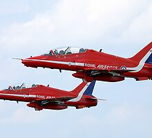 Red Arrows Pair by PhilEAF92