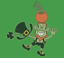 Green Leprechaun Balancing a Pot on his Head Kids Tee
