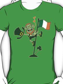 Green Leprechaun Singing on a Flag Pole T-Shirt