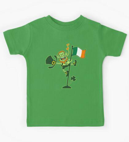 Green Leprechaun Singing on a Flag Pole Kids Tee