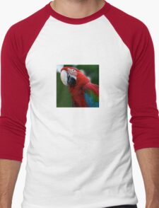 Close-Up Of A Green-Winged Macaw Men's Baseball ¾ T-Shirt