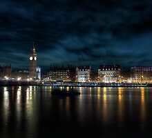 The Thames @ Night by James  Landis