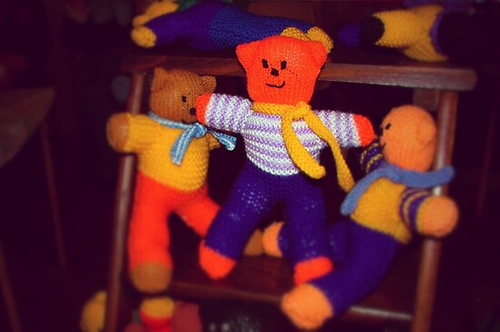 Knitted Teddy Bears by unstoppable