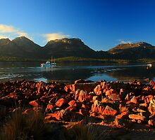 perfect hazard. coles bay, freycinet, tasmania. by tim buckley | bodhiimages