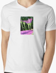 Purple And Pink Daisy Flower in Full Bloom T-Shirt