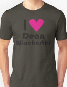 I Love Dean Winchester ( Pink Heart ) T-Shirt