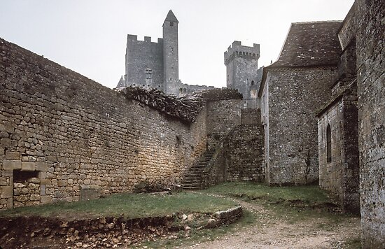 Courtyard Chateau Beynac 198402270010 by Fred Mitchell