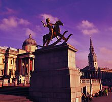 Golden Boy, Trafalgar Square, London by NicholaNR