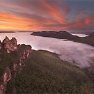 Sunrise at the Three Sisters by benivory