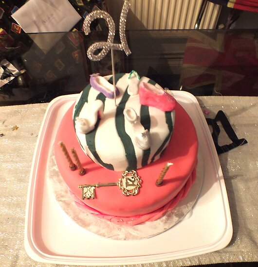Happy 21st Cake. by Livvy Young