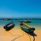 Boats with blue sky by THHoang