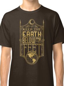 Mumford Typography (earth)(gold) Classic T-Shirt