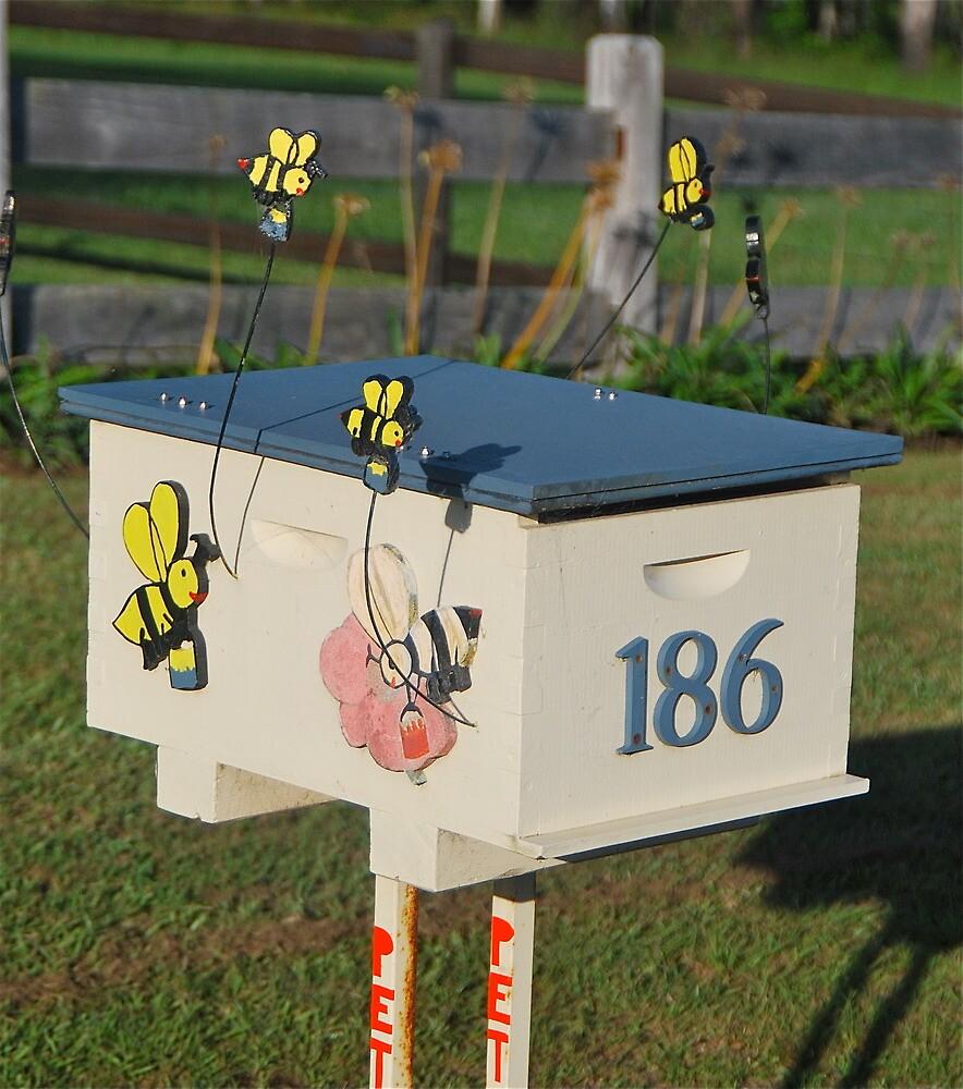 Sweet Honeybee Mailbox by Penny Smith