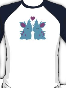 Female Nidoran in love T-Shirt