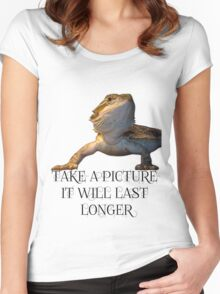 bearded dragon Women's Fitted Scoop T-Shirt