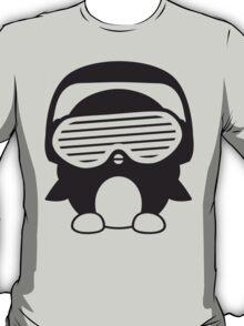 Funky Party Pengin DJ T-Shirt