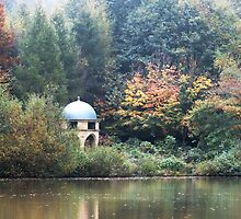 Mausoleum by the lake by bratpyle