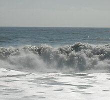 Ocean Waves by noneill