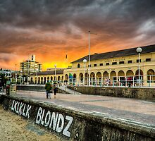 Sunsetting at Bondi by Oliver Winter