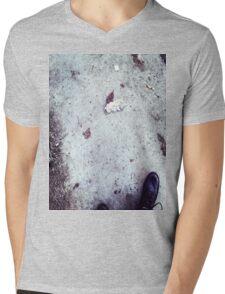 Lofi indie Iphone cover Mens V-Neck T-Shirt