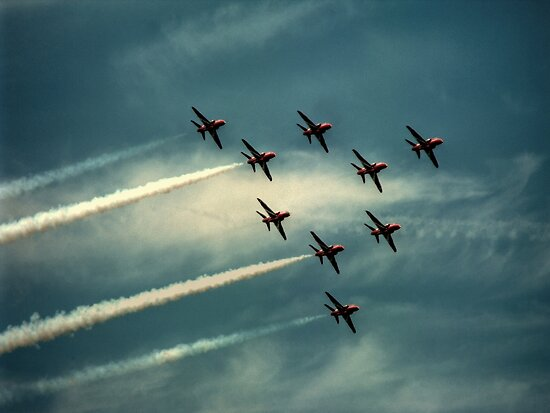 """""""Ladies and Gentleman, The Red Arrows""""  by larry flewers"""