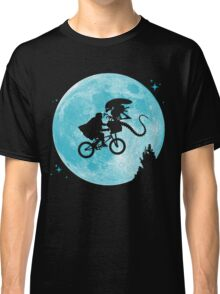 E.T. vs Aliens - transparent Classic T-Shirt