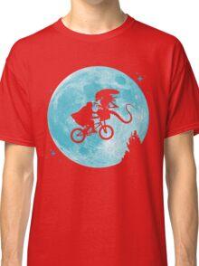 E.T. vs Aliens - transparent Classic T-Shirt
