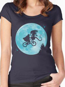 E.T. vs Aliens - transparent Women's Fitted Scoop T-Shirt