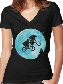 E.T. vs Aliens - transparent Women's Fitted V-Neck T-Shirt
